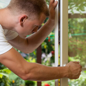 Winter maintenance of window frames | House Solutions
